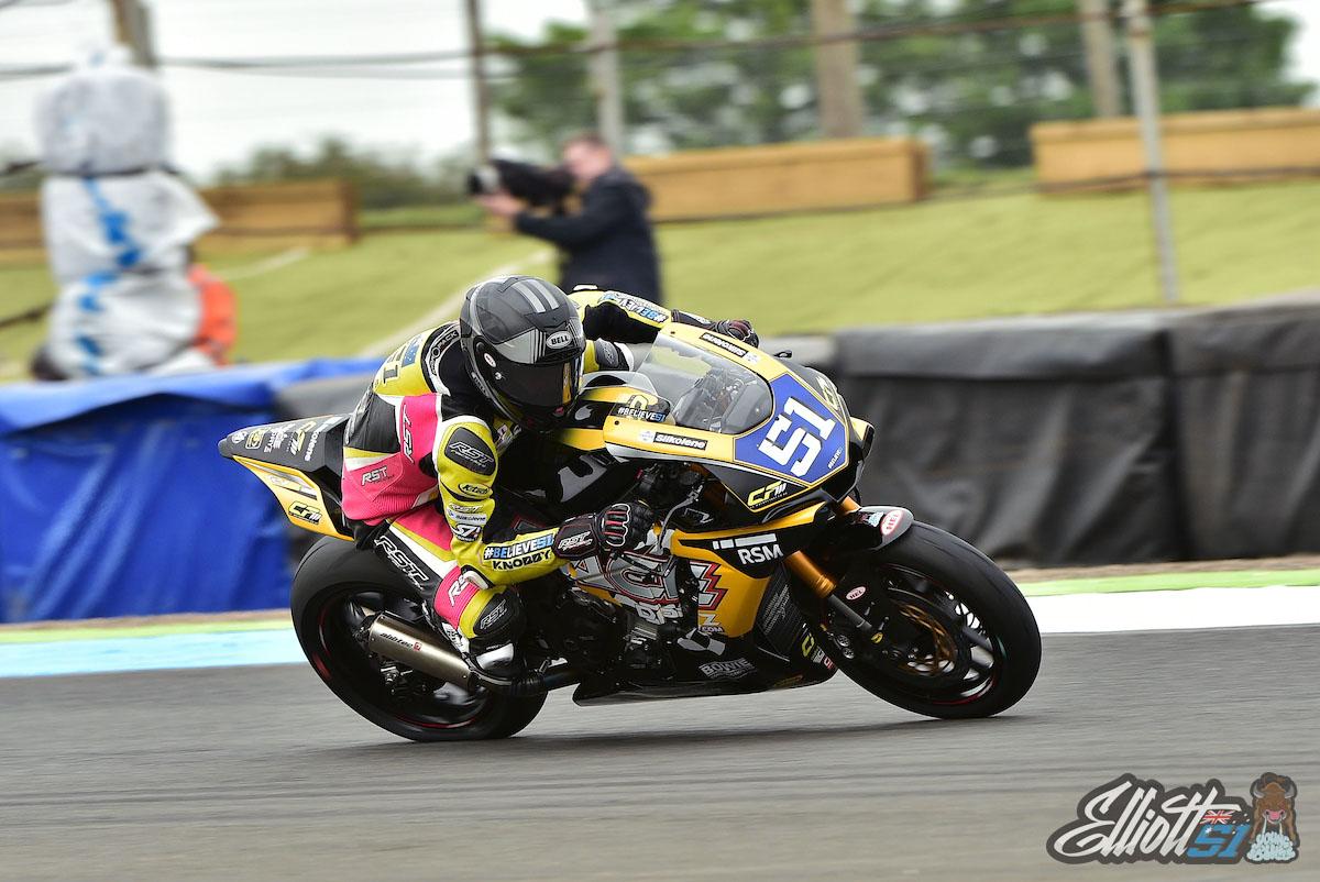 R4 Knockhill MCE British Superbike Championship
